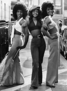 Hình ảnh quần ống loe những năm 1970