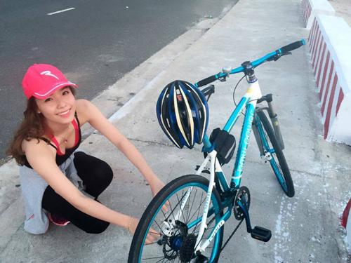 Khánh Phương trong một buổi đạp xe. Ảnh: K.P.