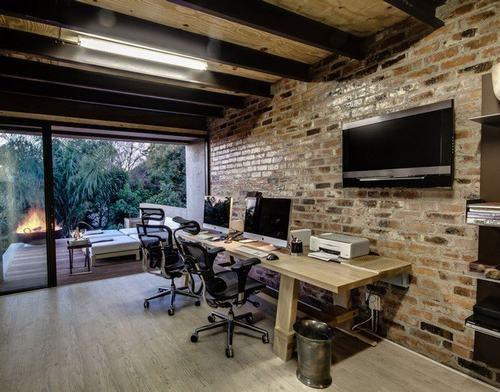 Trang trí phòng làm việc tại nhà bằng gạch