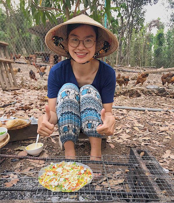 Chị Xuân Uyên tận dụng thời gian được làm việc thời xa vì Covid-19, để làm nhiều món ăn từ các nguyên liệu trong vườn. Ảnh: Nhân vật cung cấp.
