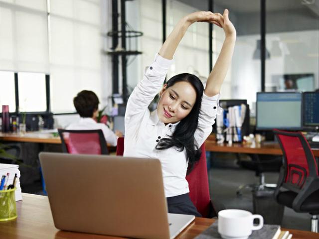 Một số gợi ý có thể giúp bạn vận động đúng cách khi ở văn phòng