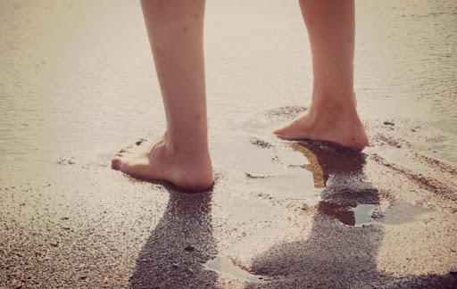 Đi bộ trên biển