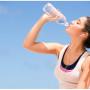 Uống ít nước gây hại không kém gì hút thuốc lá