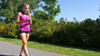 Đi bộ 7.000 bước mỗi ngày làm giảm nguy cơ tử vong đến 70%